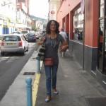 Emma Venthou-Dumaine dans les rues de Fort-de-France pour la répétition