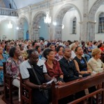 Le public écoute religieusement